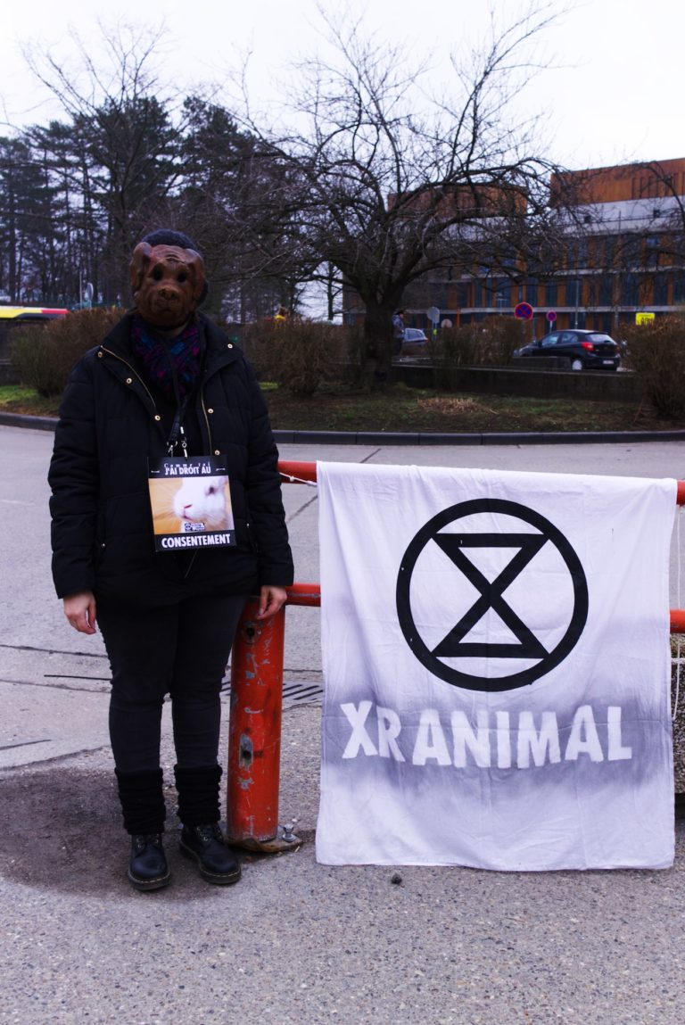 xr-animal-stop-experimentation-logo-chien-min